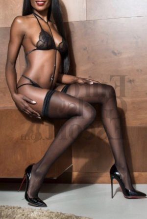 Agnella erotic massage in Wolf Trap